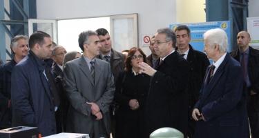 Visite ministérielle au laboratoire de Génie Sismique du CGS à SEBALA